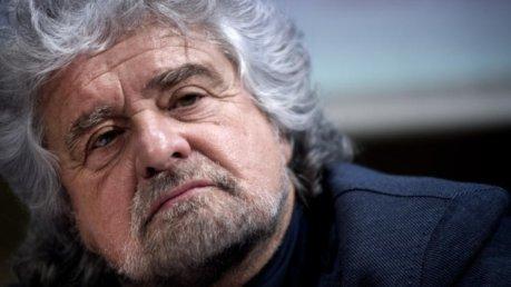 """Beppe Grillo a Palermo: """"il capo sono io"""" / Il leader dei 5 stelle torna protagonista"""